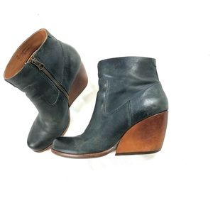 Kork-Ease Navy Leather Ankle Boots Sz 7